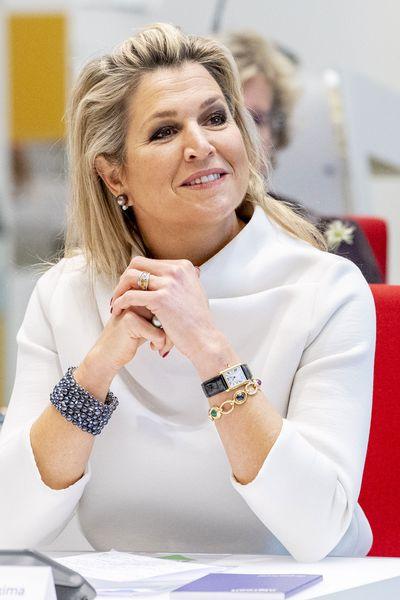 Queen Maxima wears coordinated face mask, December 2020
