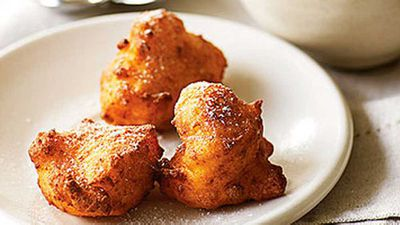 "<a href=""http://kitchen.nine.com.au/2016/05/19/15/14/ricotta-fritters"" target=""_top"">Ricotta Fritters</a>"