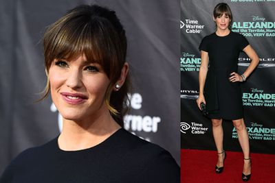 Jennifer Garner stunned in a classic LDB for the premiere of her latest flick.