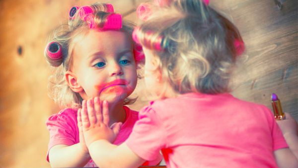 Beauty school drop out: if you are not afraid of a little mess, set up a beauty salon for your daughter. Image: Getty