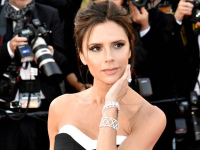 Here's how Victoria Beckham looks so good after a 22-hour flight