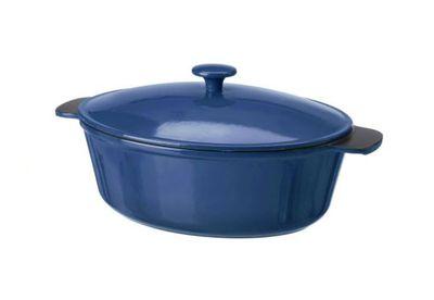Cast iron casserole pot