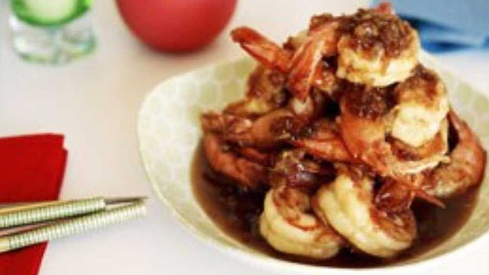 Kylie Kwong's crisp king prawns with honey and garlic sauce