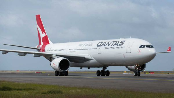 Qantas planning on non-stop Sydney-to-London flights within five