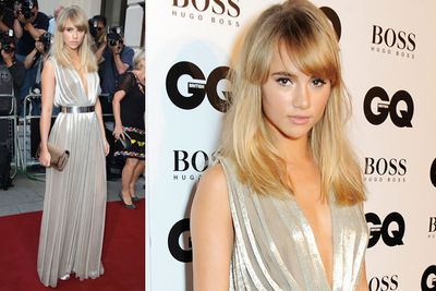 Model Suki Waterhouse with a cute '60s hairdo. But where's beau Bradley Cooper?