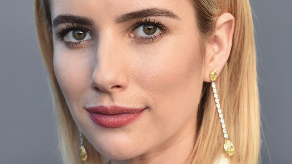 Emma Roberts Debuts Haircut With Bangs at Critics Choice Awards 2018