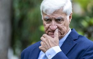 Bob Katter vents about cane toad bounty hunter coverage