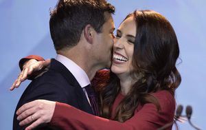 Jacinda Ardern claims historic victory in New Zealand election as Prime Minister wins second term in landslide
