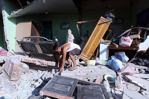 Claims have risen of tourists and locals looting abandoned stores after food and water supplies rapidly decreased. Picture: AAP.