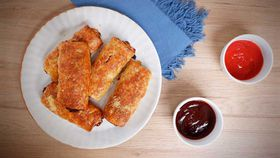 Easy pork and fennel sausage rolls