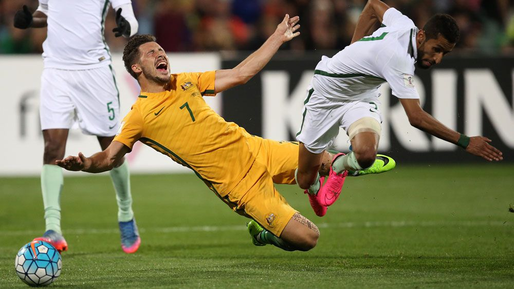 Socceroos' Mathew Leckie robbed of penalty against Saudi Arabia in World Cup qualifier