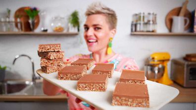 Jane de Graaff makes classic Mars Bar slice