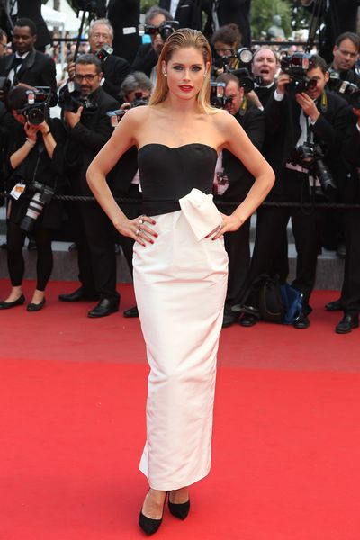 <p><strong>Day seven</strong></p><p>Doutzen Kroes in Vintage Dior</p>