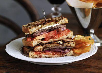 "<a href=""http://kitchen.nine.com.au/2016/05/17/10/13/steak-sandwich-with-game-chips"" target=""_top"">Steak sandwich with game chips</a>"