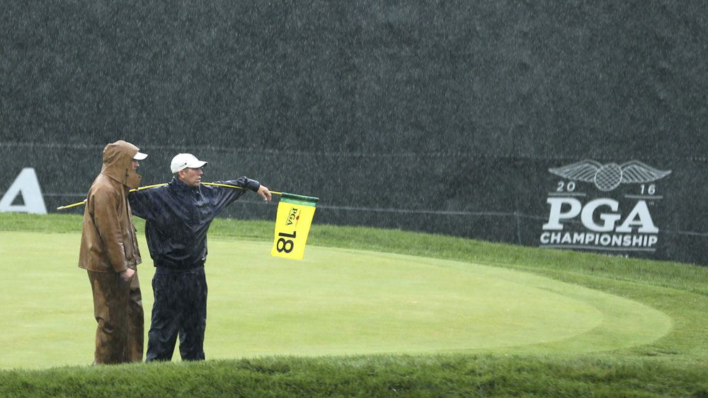 Day to start 3rd round as PGA play resumes