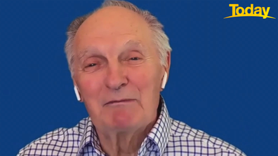Alan Alda says record-breaking finale nearly broke New York's sewage system.