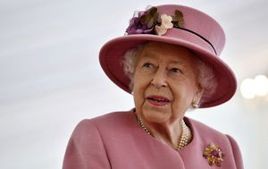 Queen appears in public for first time in months but without mask