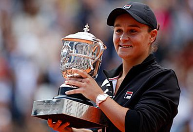 Ash Barty with French Open trophy (Getty)
