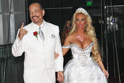The happy couple renewed their vows on the tenth anniversary of their wedding.