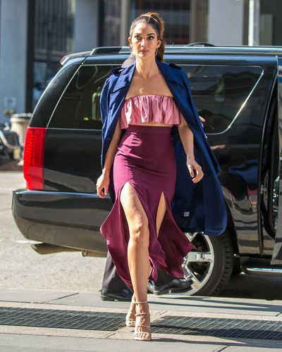 Lily Aldridge demonstrates what a Victoria's Secret model wears to run errands in NYC.