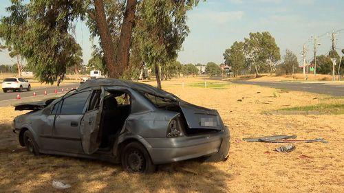 Melbourne car crash teenage driver killed Epping