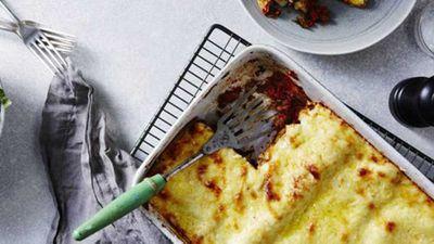 """6.) Bechamel sauce -&nbsp;<a href=""""https://kitchen.nine.com.au/2017/02/16/14/50/true-blue-aussie-lasagne"""" target=""""_top"""">True blue Aussie lasagne with bechamel sauce</a>"""
