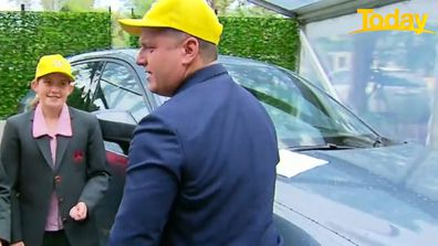 Karl Stefanovic completely fails at changing a tyre