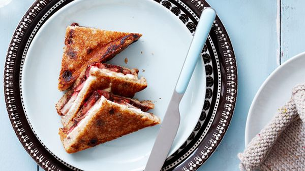 Strawberry dessert toast
