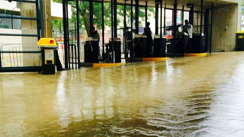 Flooding creeps up to the turnstiles at The Gabba in Brisbane. (Twitter @ARamseyCricket)