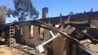 This home is one of 13 that has been destroyed by the blaze tearing across the Adelaide Hills. (Twitter)