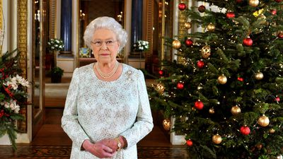 Royals do Christmas - The Queen's first Christmas trees go up
