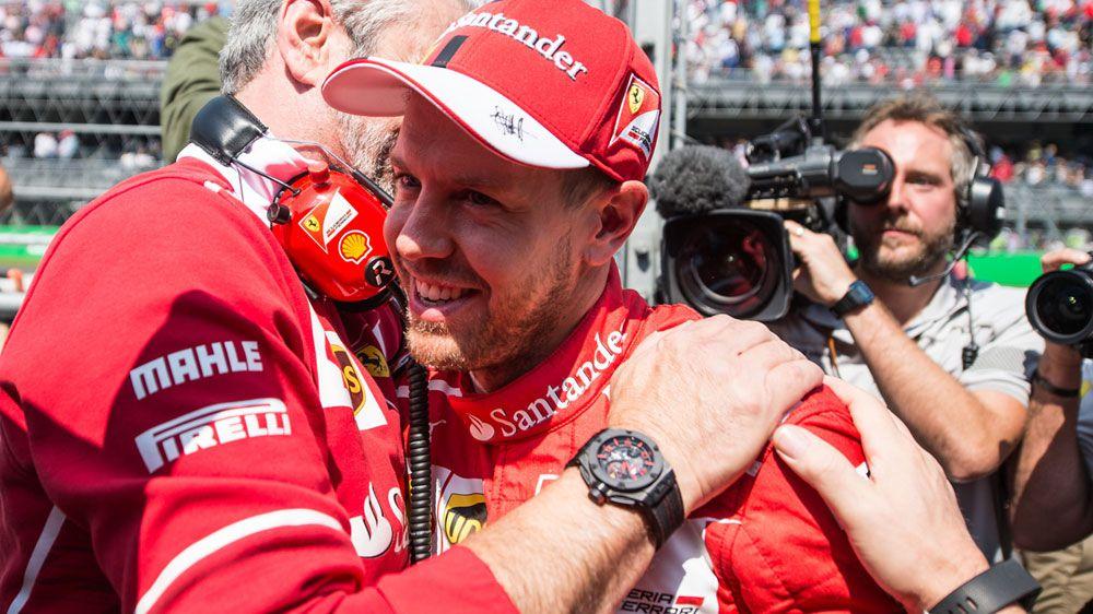 Vettel takes pole in Mexico, Ricciardo 7th