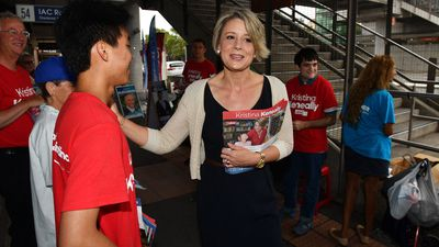 Keneally accuses Turnbull of being 'Chinaphobic'