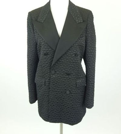 "Kim Kardashian West <a href=""https://www.ebay.com/itm/Kim-Kardashian-West-A-SAUVAGE-Black-Spotted-Designer-Blazer-Size-42-R/202220563879?_trkparms=%26rpp_cid%3D58a24ca2e4b0fa4552d36ff2%26rpp_icid%3D58a24b82e4b04206a7b801b5"" target=""_blank"">A. SAUVAGE Black Spotted Designer Blazer</a> Size 42, current bid, $60.66"