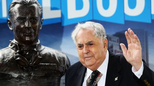 Former F1 World Champion Sir Jack Brabham attends the unveiling of a bust cast in his honour before the Australian Formula One Grand Prix at the Albert Park. (Getty)
