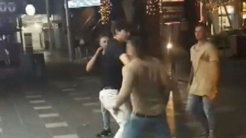 Video shows the moment the man was knocked unconscious. (9NEWS)